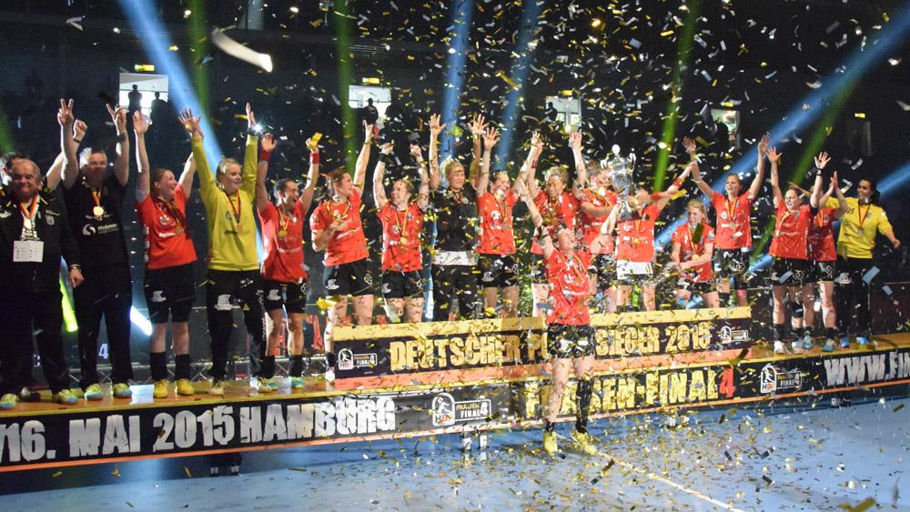 Handball_Final4_Siegerehrung-Buxtehude